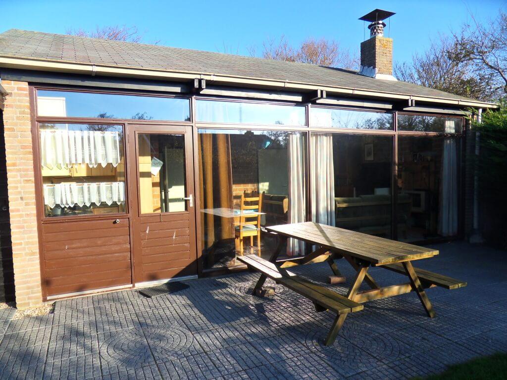 ferienhaus bungalow boerenslag 24 in sint maartenszee in holland. Black Bedroom Furniture Sets. Home Design Ideas